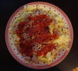 Muskelaufbau Ernährung - Thunfisch Nudeln mit Soße